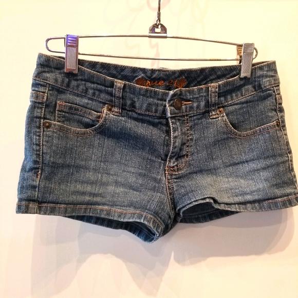 Rue21 Pants - Rue 21 Denim Jean Shorts. Juniors Size 3
